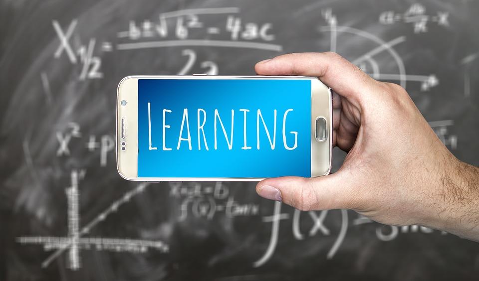 Cele mai bune aplicatii de telefon pentru studenti