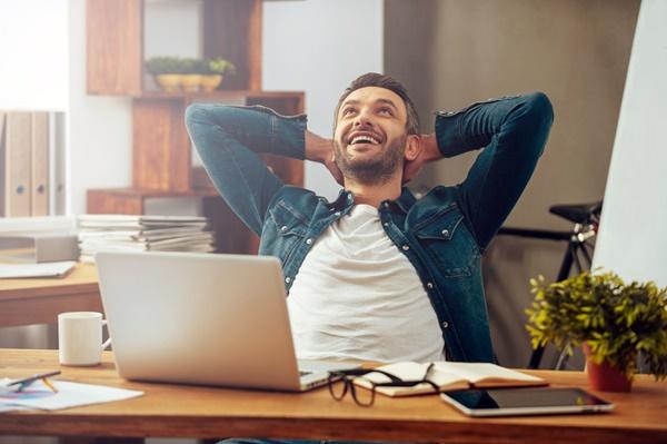 Cum pot fi protejati ochii atunci cand stai mult timp la calculator?