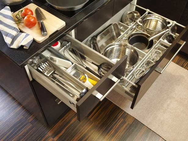Cum sa curatati vesela din bucatarie si ustensilele?