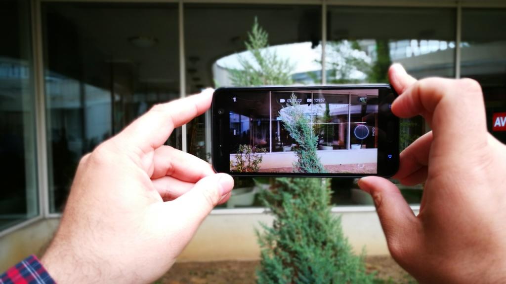 Despre ecranele capacitive si grila cu infrarosu